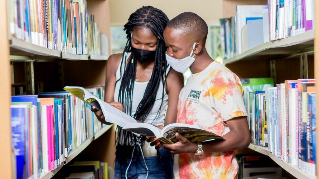 MSUAS students libtrary3